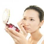 顔のテカリにディフェリンは逆効果で悪化する?使わない方が良い?