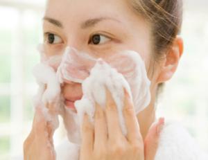 脂性肌 重曹 洗顔 やり方