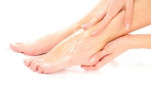 足裏 角質ケア 注意点 保湿