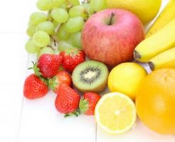 美白効果 シミ対策 食べ物 キウイ イチゴ ビタミンC