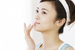 乳液 別の使い方 唇 乾燥