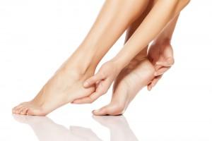 かかと 足裏 角質 剥く NG 角質肥厚
