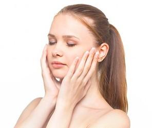 オロナイン水 効果 ニキビ 肌荒れ 改善
