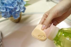 ファンデーション スポンジ お手入れ 方法 洗い方 中性洗剤 洗顔料