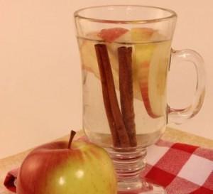 アンチエイジング ドリンク レシピ りんご シナモン ハチミツ デトックス