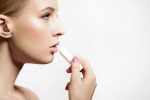 唇 荒れ 乾燥 対策 保湿 リップクリーム