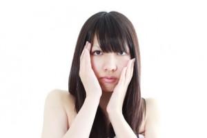 顔のテカリ ファンデーション 選び方
