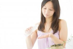 化粧水 つけるタイミング 寝る前 ナイトクリーム ナイト美容液