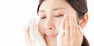 色素沈着が原因のクマ ケア方法 優しく洗顔 皮膚科