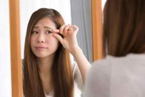 つけまつげ のり かぶれる 原因 成分 アレルギー 刺激