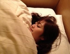 肌のハリ・弾力 取り戻す 方法 睡眠 成長ホルモン 新陳代謝 活性化