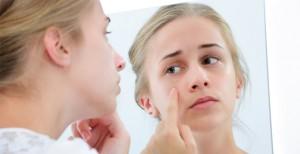 ニキビ 治す 皮膚科 美容皮膚科 目的に合わせる