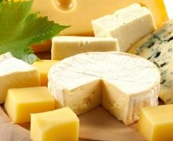 ニキビ チーズ 効果的 ビタミンB2 ビタミンA 亜鉛