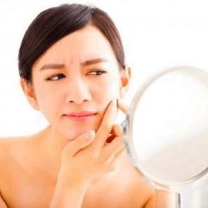 ニキビ できる人 できない人 違い 生活習慣 洗顔