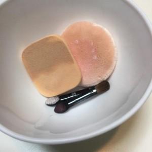 ニキビ 悪化 化粧道具 雑菌 清潔に保つ