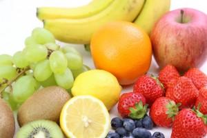 くすみ改善 栄養素 食べ物 オレンジ いちご レモン バナナ 果物