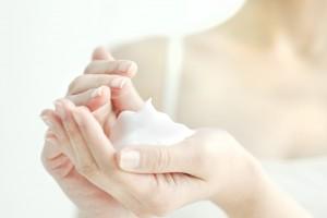 酵素洗顔 方法 泡立てる 優しく洗顔