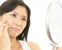 顔のたるみ 原因 頭皮 筋肉の衰え 乾燥