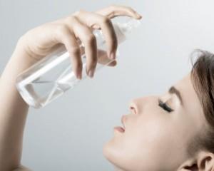 ファンデーション よれ 対策 保湿 化粧水