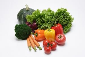 乾燥肌 効果的 食べ物 緑黄色野菜 カロテン