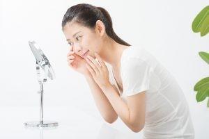 ニキビ かさぶた 取っていいタイミング 皮膚の再生