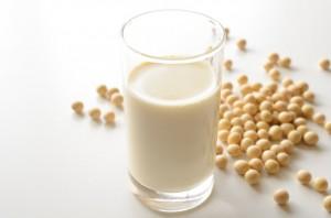ニキビ 改善 レシチン 豆乳 サプリメント