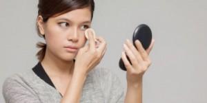 脂性肌 デメリット 油分 過剰分泌 ニキビ 化粧崩れ
