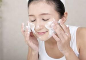 日焼け止めジェル 落とし方 洗顔料 ボディソープ 保湿